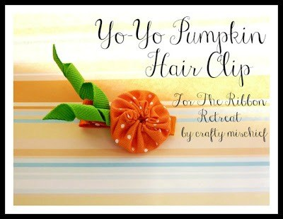 Yo-Yo Pumpkin Hair Clip Tutorial - Make this cute hair accessory in minutes with this super easy tutorial! {The Ribbon Retreat Blog}